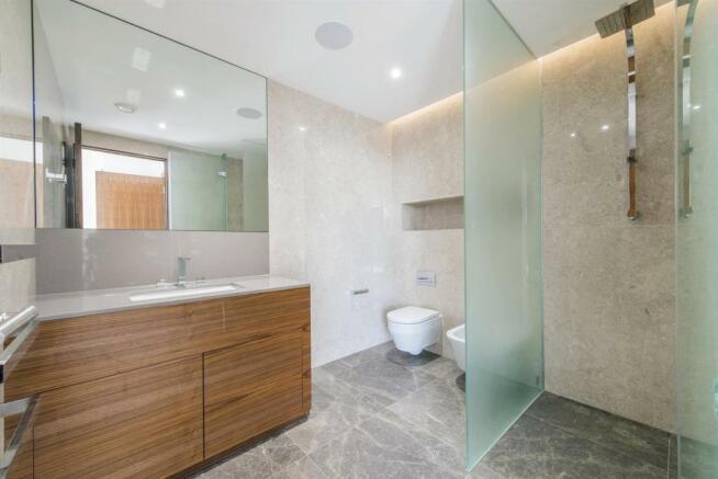 Shower Room (2).jpg