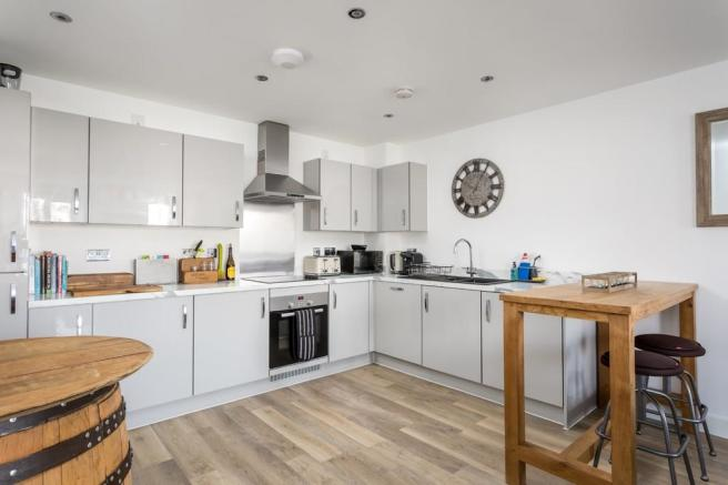 2 Bedroom Ground Floor Flat For Sale In Harvest Street Cheltenham