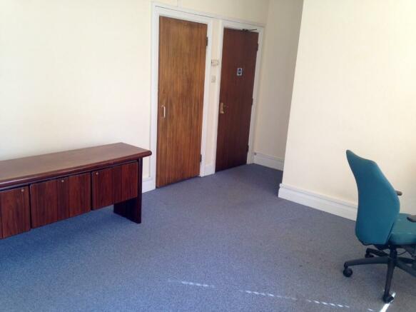 Medium Room I