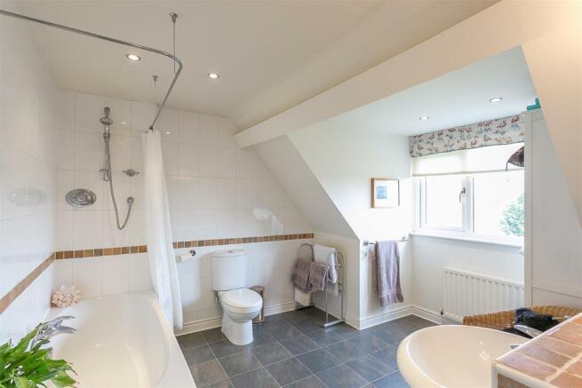 En-Suite Bathroom (Bedroom Four)