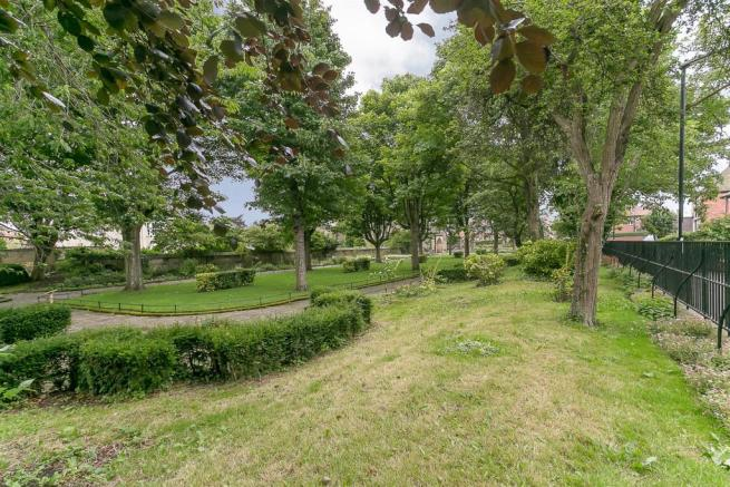 Communal Church Gardens
