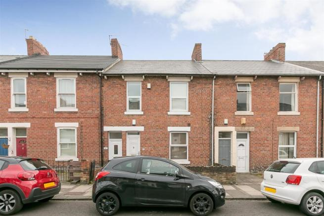 a1030074f3 3 bedroom flat to rent in Bolingbroke Street, Heaton, Newcastle upon ...