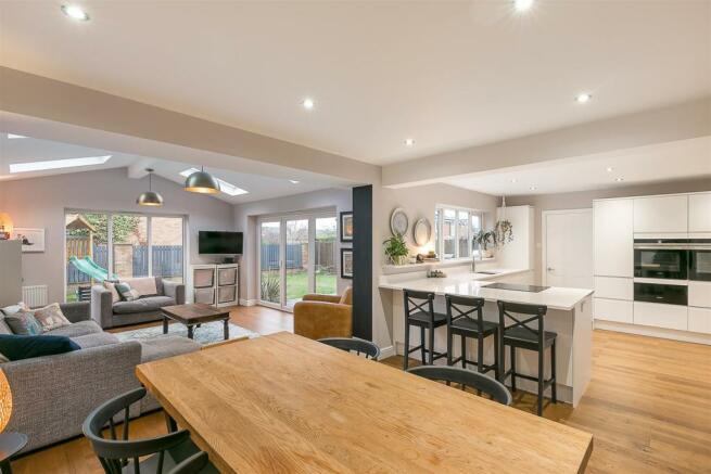 Open Plan Kitchen/Diner & Family Room