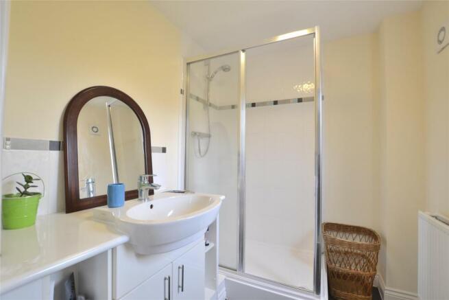 En-suite to Bedroom 2