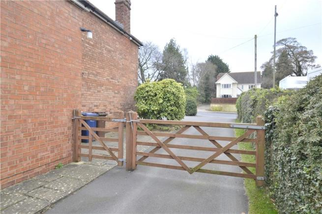 Five-Bar gated driveway