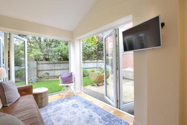 Extension with Bi-folds