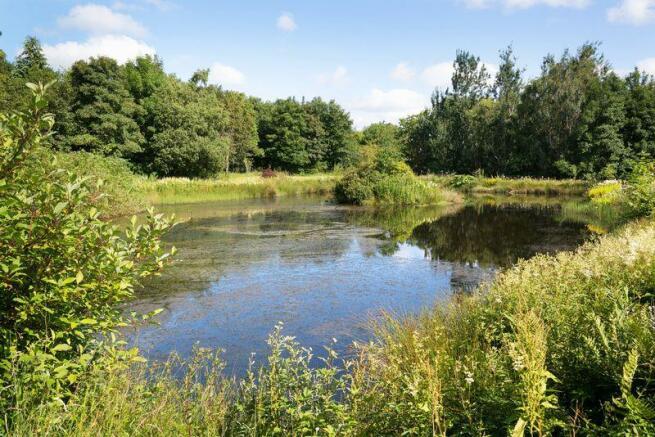 Land Ends Lake