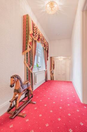 Hallway, Woodl...