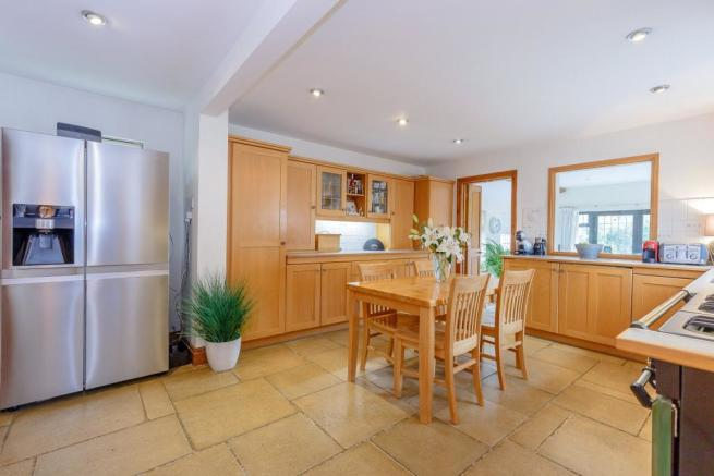 Smart Fitted Kitchen