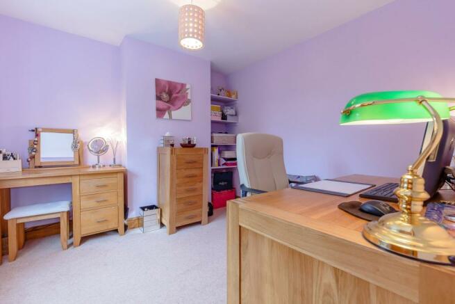 Double Bedroom/Study