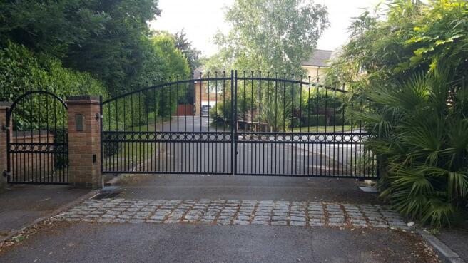 gates to enatrance