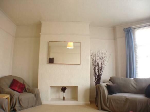 lounge - angle 3