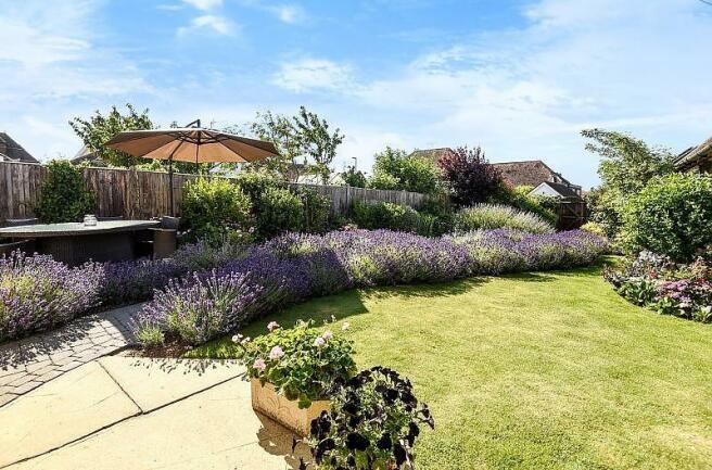 Garden House in Felp