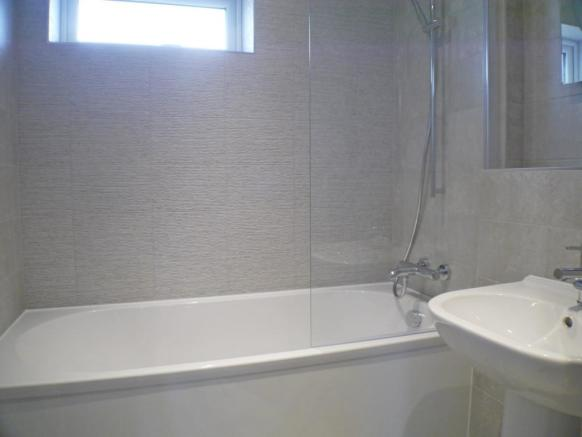 Bathroom House in Bo