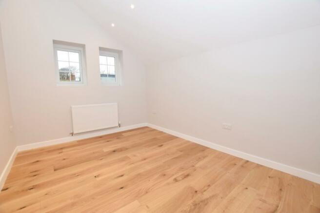 Bedroom 2 Flat in Mi