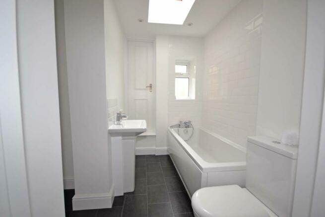 Bathroom & Utili