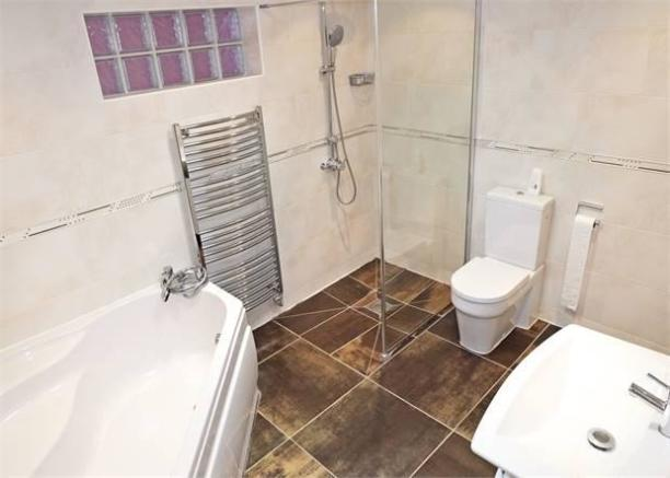 Bath and shower wet room