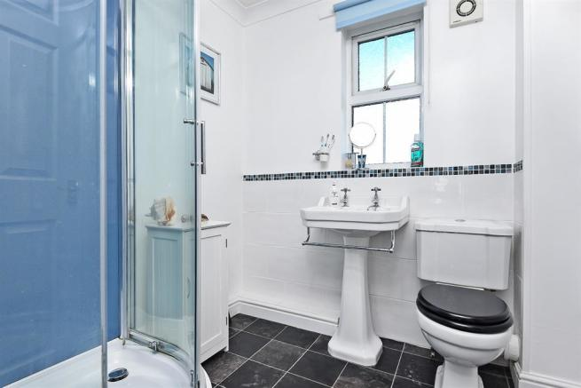 Shower room (former bathroom)
