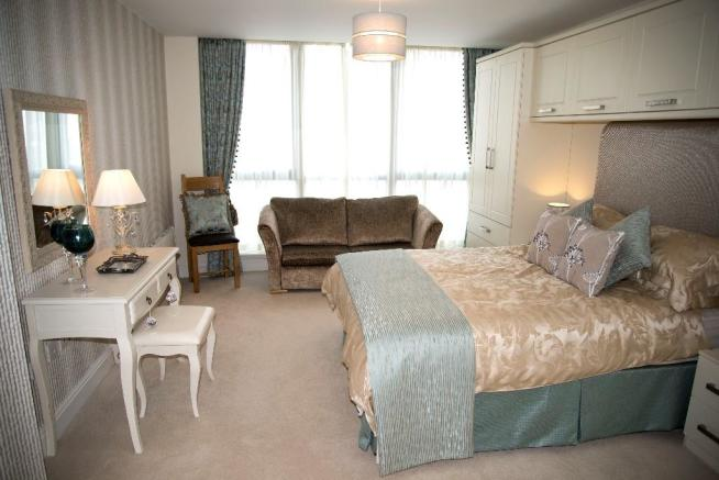 2-bed master