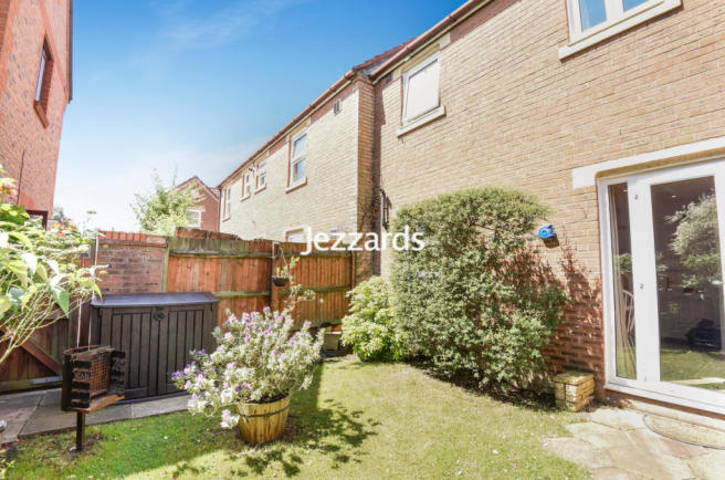Routh Court, Feltham, TW14