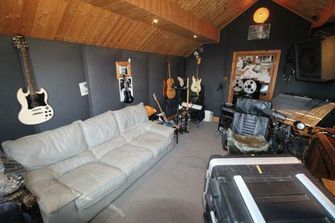Studio 1st Floor
