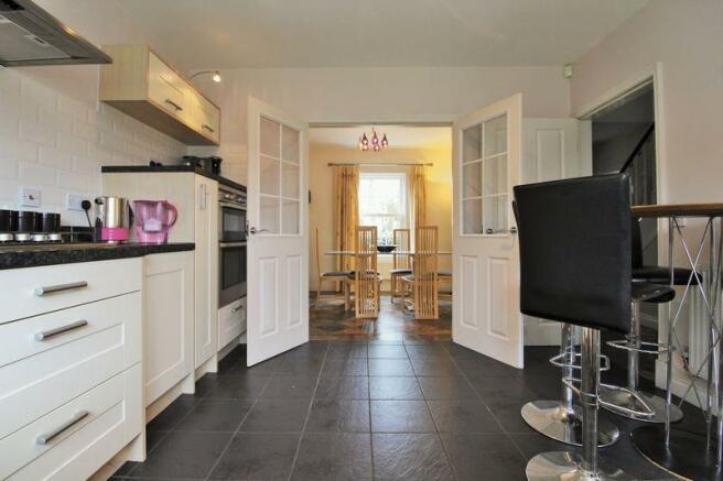 Kitchen into D...