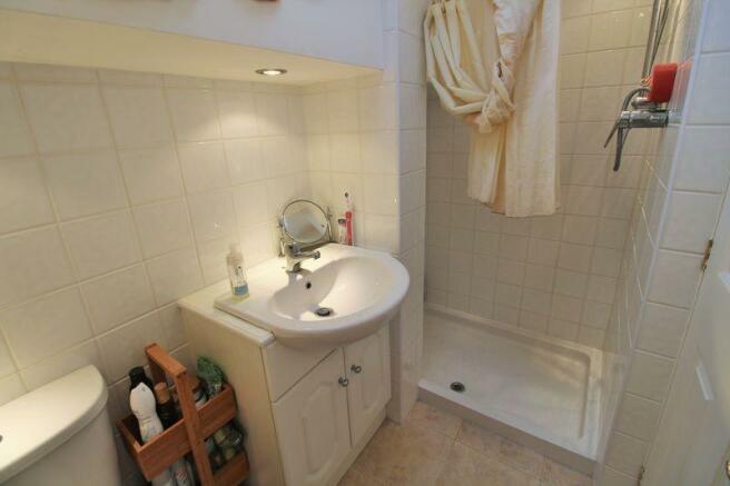 Shower Room (1...