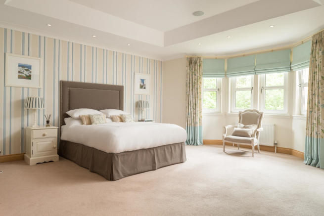 Master Bedroom to Wi