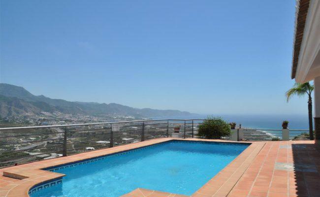 pool and vista