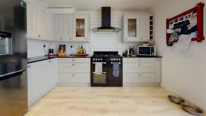 6-Philips-Road-Kitchen(1).jpg