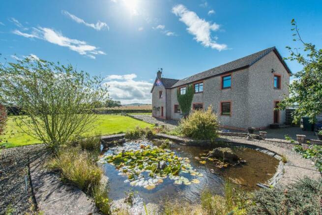 8ecb94f585b06b 5 bedroom farm house for sale in Windedge Farmhouse