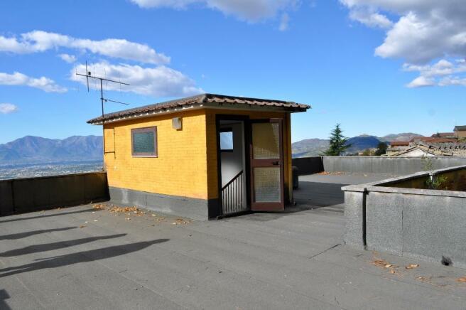 150 sqm terrace