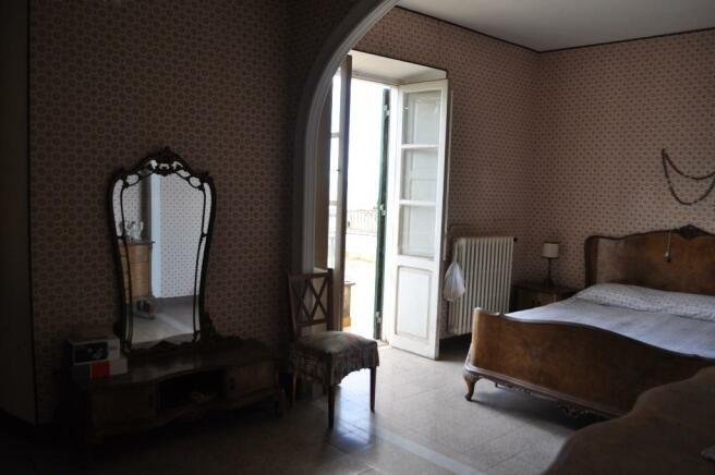 Bedroom with terrace