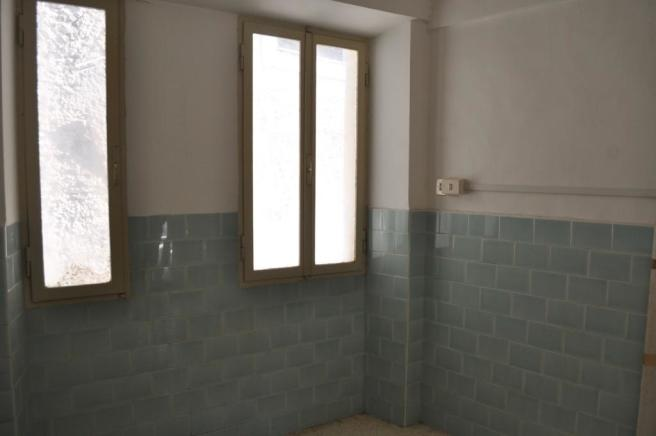 bathroom to fit