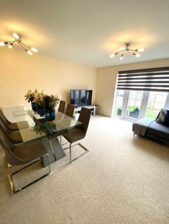 lounge 1[3].jpg