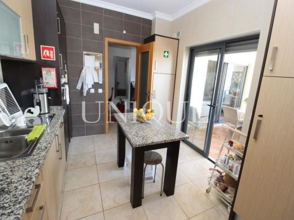 Kitchen with access to terrace