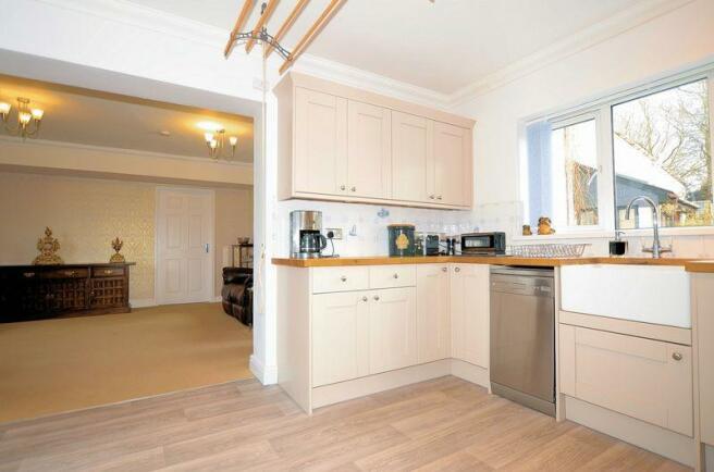 Kitchen to Liv...
