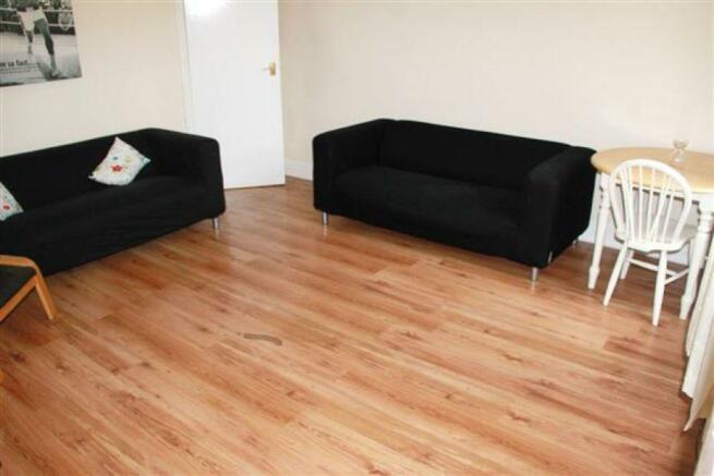 3 Bedroom Ground Floor Flat To Rent In Sackville Road Heaton