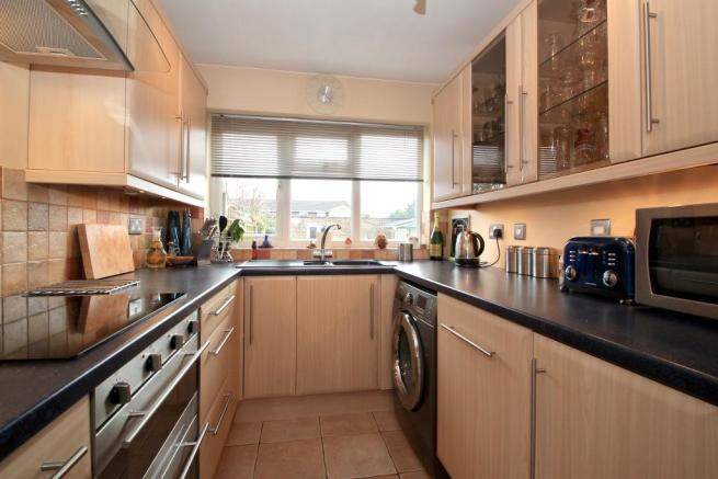 Fitted oven, dishwasher & hob