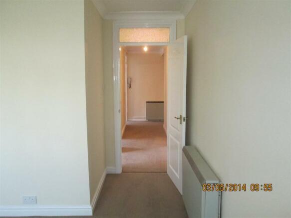 1 Hillmorton - Hallway.jpg