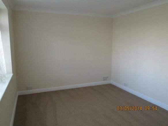 1 Hillmorton - Bedroom.jpg