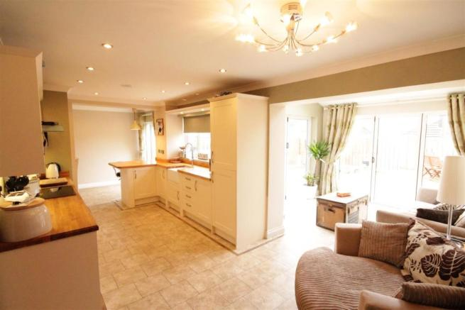 4 bedroom semi detached house to rent in norburn park - How much to move a 4 bedroom house ...