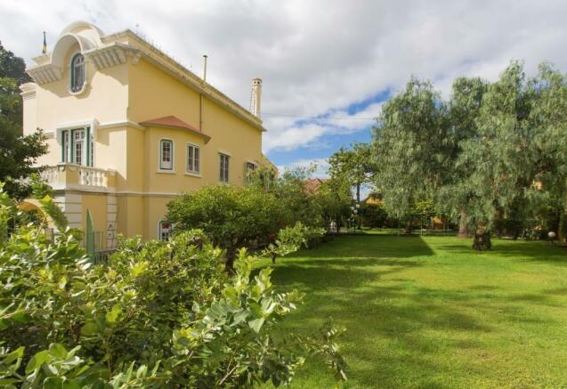 Family home gardens