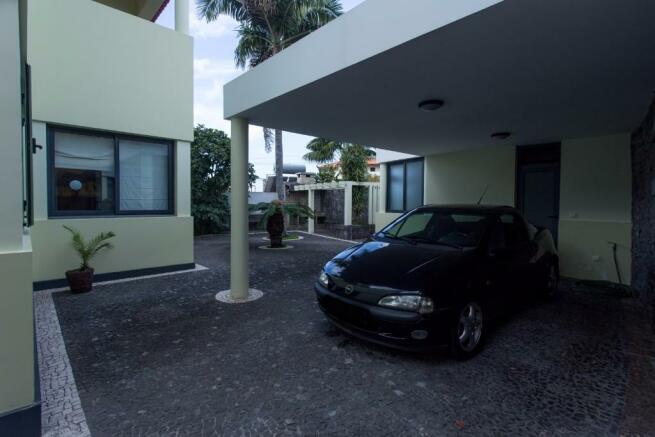 Carport for one car