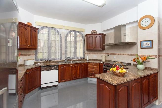 Fully-fitted kitchen
