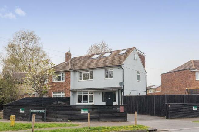 5 bedroom semi-detached house for sale in Parkhurst Road, Horley