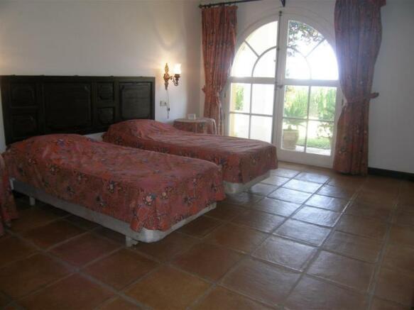 1.24 Main bed 1