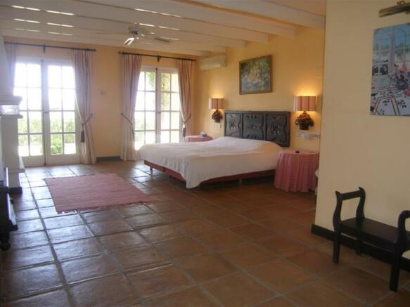 1.27 Main bedroom