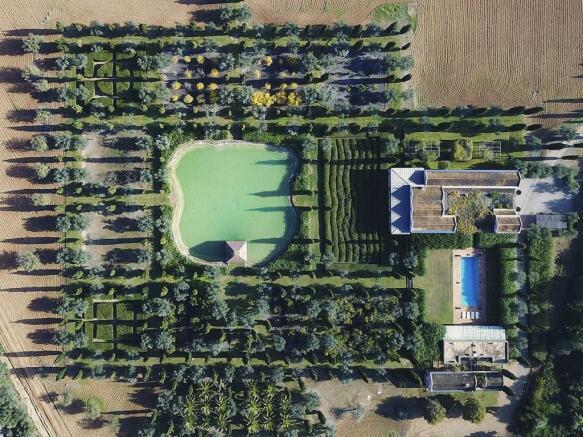 country estate Llubi