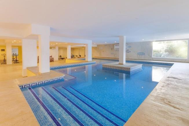 indoor pool (1)